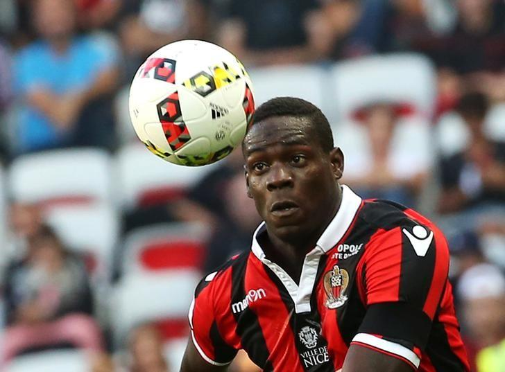 Football Soccer - Nice v Lorient - French Ligue 1 - Allianz Riviera stadium, 2/10/16.Nice's Mario Balotelli in action. REUTERS/Eric Gaillard