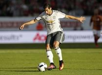 Henrikh Mkhitaryan, do Manchester United, durante amistoso na Suécia.  30/7/16 Action Images via Reuters / Henry Browne Livepic