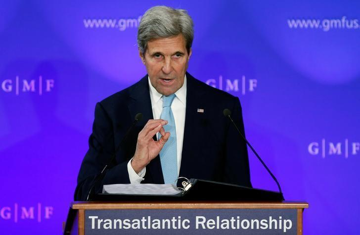 U.S. Secretary of State John Kerry delivers a speech on the transatlantic relationship at the Concert Noble in Brussels, Belgium, October 4, 2016.  REUTERS/Francois Lenoir