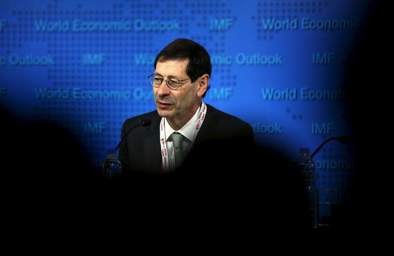 Maurice Obstfeld delivers the International Monetary Fund's media briefing on the world economic outlook during its annual meeting in Lima, Peru, October 6, 2015. REUTERS/Mariana Bazo