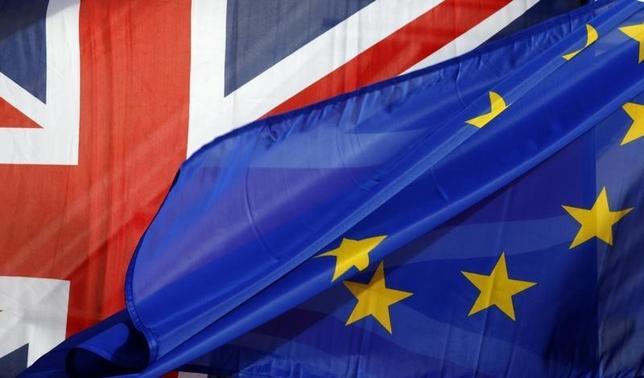 10月10日、英紙タイムズは、政府資料を引用し、英国の欧州連合(EU)離脱がいわゆる「ハードブレグジット(強硬な離脱)」となれば、年間最大で660億ポンドを失う可能性があると伝えた。3月撮影(2016年 ロイター/Philippe Wojazer)