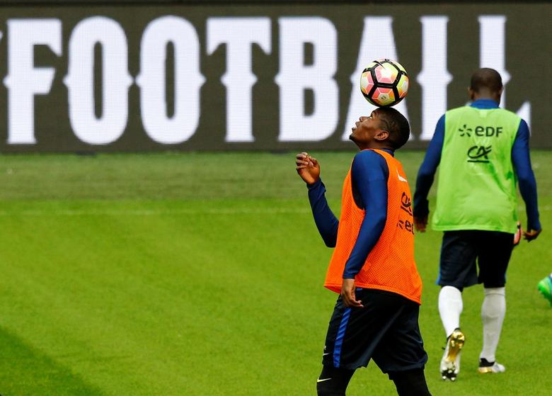 Football Soccer - Netherlands v France - World Cup 2018 Qualifier- News Conference - Arena Stadion,  Amsterdam, 9/10/16    France's Paul Pogba during a training session.   REUTERS/Michael Kooren