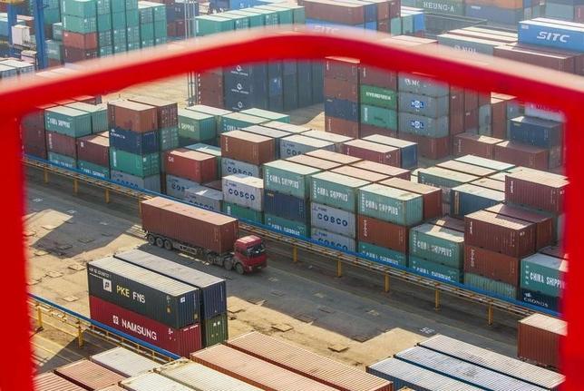 10月13日、中国税関総署が公表した9月の中国の輸出は、前年同月比10.0%減と、市場予想の3.0%減を大幅に下回った。提供写真(2016年 ロイター/China Daily)