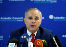 Israeli Energy Minister Yuval Steinitz attends a news conference after their meeting with Turkish Energy Minister Berat Albayrak in Istanbul, Turkey, October 13, 2016. REUTERS/Osman Orsal