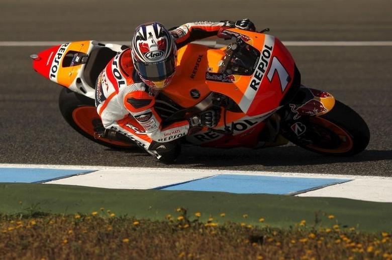 Honda MotoGP rider Hiroshi Aoyama of Japan rides his bike during the third free practice session of the Spanish Grand Prix in Jerez de la Frontera, southern Spain, May 2, 2015. REUTERS/Jon Nazca