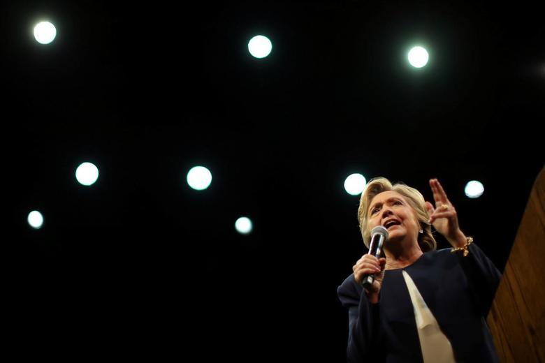U.S. Democratic presidential nominee Hillary Clinton speaks at a fundraiser in San Francisco, California, U.S. October 13, 2016. REUTERS/Lucy Nicholson