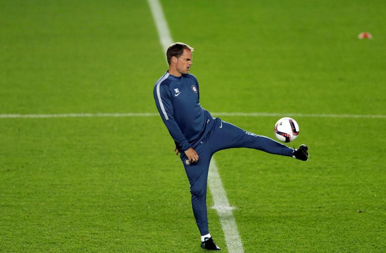 Football Soccer - Inter Milan training session - Sparta Prague v Inter Milan - UEFA Europa League group stage - Group K - Prague, Czech Republic - 28/09/2016. Inter Milan's coach Frank de Boer during the training session. REUTERS/David W Cerny