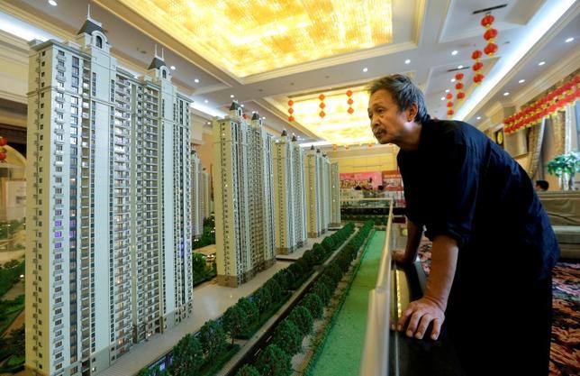 10月18日、中国人民銀行が18日発表したデータによると、1─9月の中国新規住宅ローンは3兆6300億元(5386億9000万ドル)に増加し、同期間の新規融資の35.7%に達した。湖北省で2013年11月撮影(2016年 ロイター)