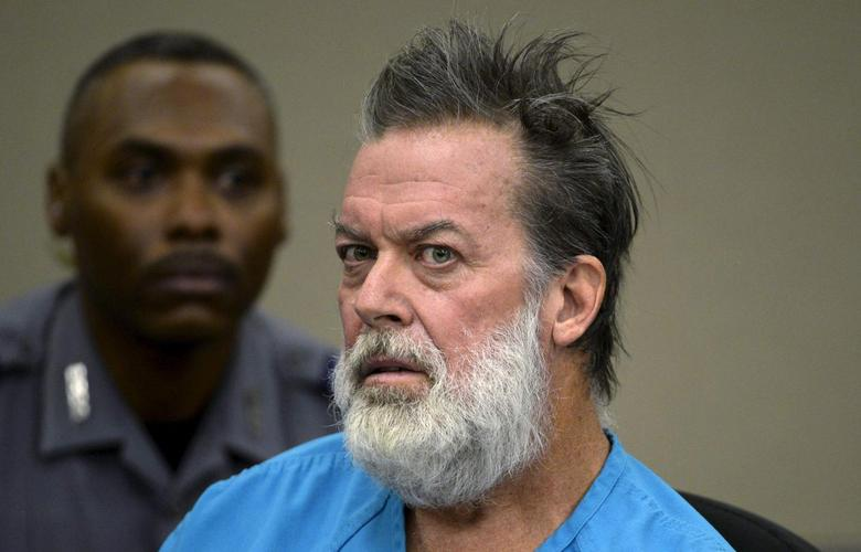 Robert Lewis Dear, accused of shooting three people to death and wounding nine others at a Planned Parenthood clinic in Colorado, attends a hearing in Colorado Springs, Colorado, U.S. December 9, 2015.   REUTERS/Andy Cross/File Pool Photo