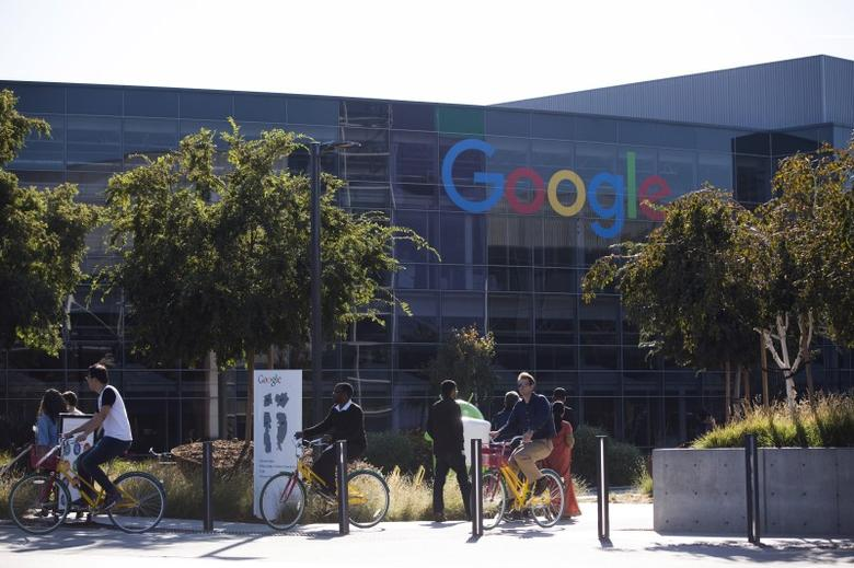The new Google logo is seen at the Google headquarters in Mountain View, California November 13, 2015. REUTERS/Stephen Lam