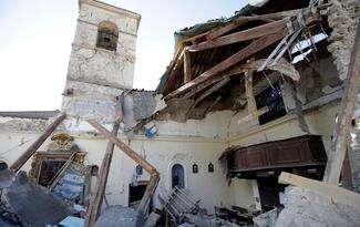 Earthquake hits Italy