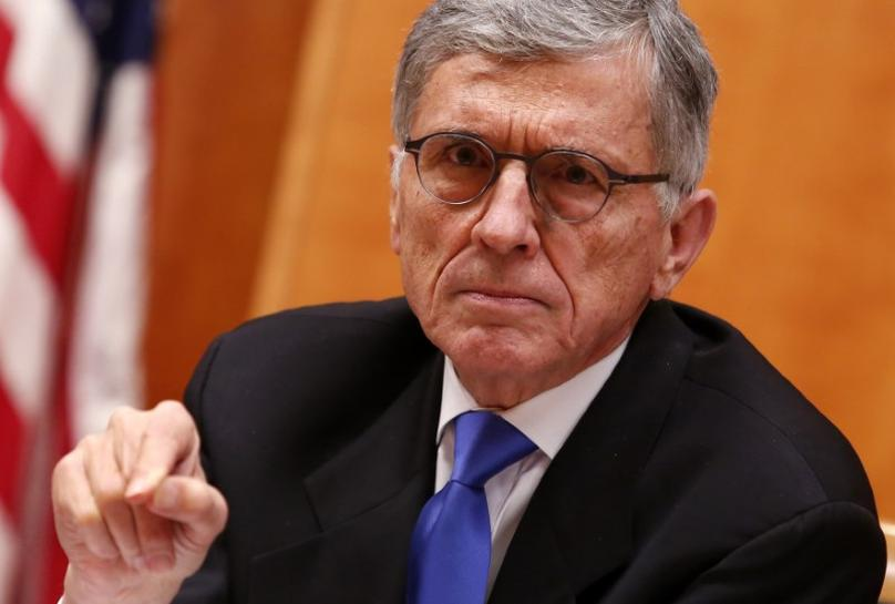 U.S. FCC approves new broadband service privacy rules | Reuters