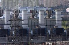 Газовая электростанция в Стамбуле. 8 января 2009 года. Газпром увеличивает поставки газа в Турцию из-за взрыва на иранском газопроводе, сообщил в пятницу российский монопольный экспортёр газа. REUTERS/Osman Orsal