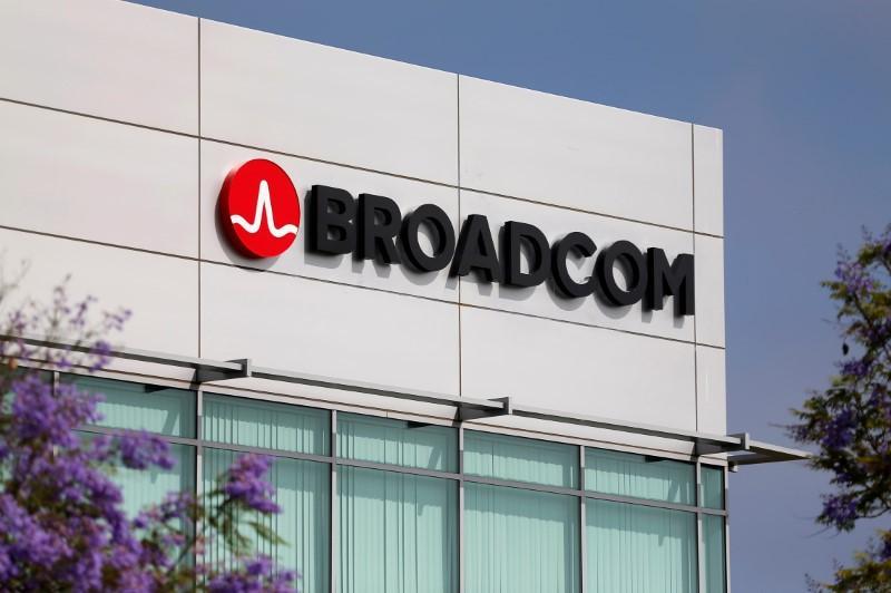 Chipmaker Broadcom to buy network gear maker Brocade for $5.5 billion