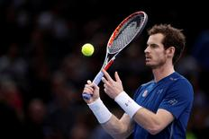 Tennis - Paris Masters tennis tournament men's singles semifinals - Milos Raonic of Canada v Andy Murray of Britain - Paris, France - 5/11/2016 -  Murray warms up after Raonic withdraws. REUTERS/Gonzalo Fuentes