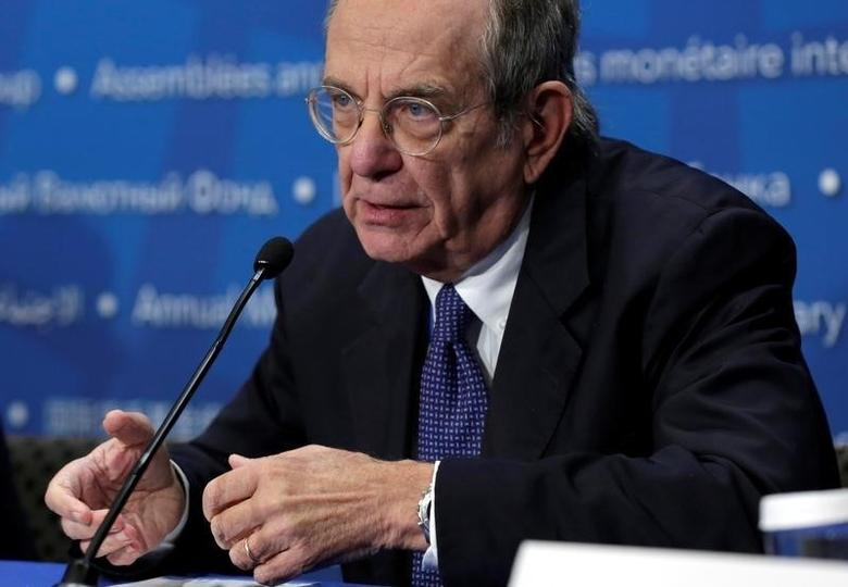 Italian Finance Minister Pier Carlo Padoan speaks at a news conference during the IMF/World Bank annual meetings in Washington, U.S., October 8, 2016. REUTERS/Yuri Gripas