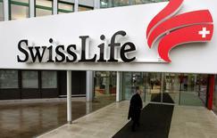 Swiss Life a confirmé mercredi ses objectifs financiers annuels grâce à l'amélioration de la performance de son activité de gestion d'actifs. /Photo d'archives/REUTERS/Arnd Wiegmann