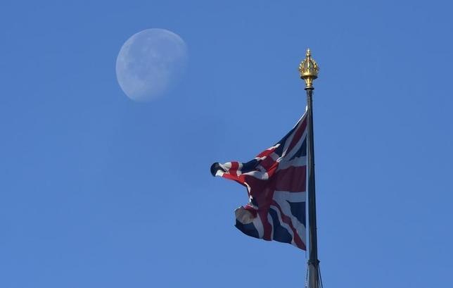 11月15日、欧州の大手企業の4割近くが英国による欧州連合(EU)離脱に向けた交渉によって打撃を受けると予想していることが、会計事務所デロイトUKが公表した調査結果で明らかになった。写真はロンドンで6月撮影(2016年 ロイター/Toby Melville)