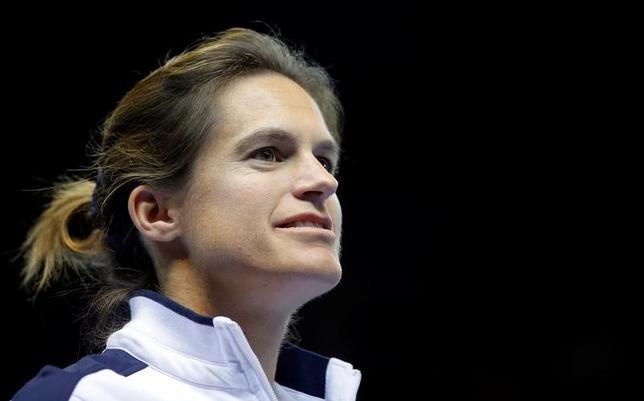 11月14日、女子テニスの元世界ランク1位、アメリ・モレスモ氏は、第二子出産のため、女子のフランス代表主将を辞める意向を明かした。フランスのストラスブールで12日撮影(2016年 ロイター/Vincent Kessler)