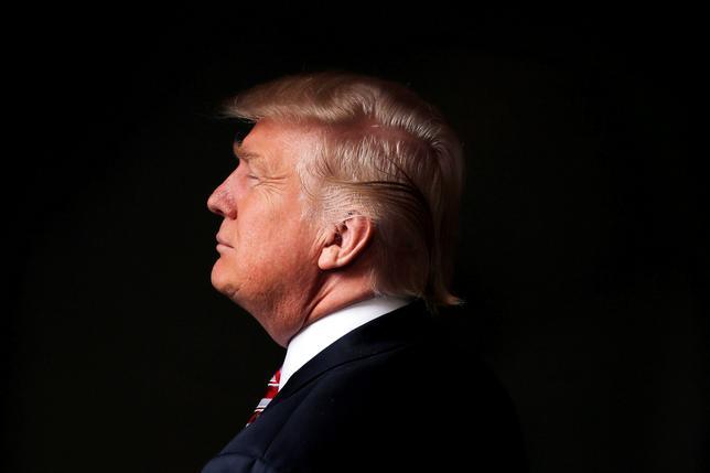 11月11日、  「米国の国益を最優先とするが、誰に対しても公正に振る舞う」とオバマ米大統領に約束したドナルド・トランプ次期大統領(写真)だったが、同盟国の多くは、彼の勝利が米国の政策にとってどのような意味を持つのか神経を尖らせている。5月にニューヨークのトランプタワーで撮影(2016年 ロイター/Lucas Jackson)