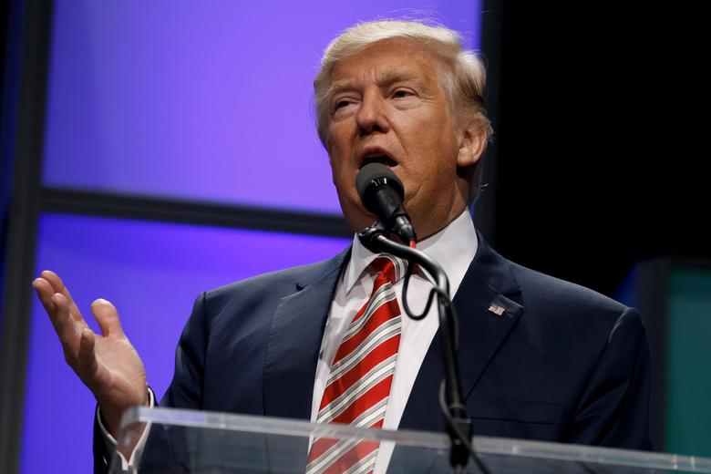 Republican Donald Trump delivers remarks at the Shale Insight energy conference in Pittsburgh, Pennsylvania, U.S. September 22, 2016. REUTERS/Jonathan Ernst/File Photo