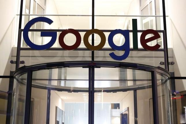11月16日、インターネット検索最大手グーグルのピチャイ最高経営責任者(CEO)は、18日に欧州連合(EU)の独占禁止法問題担当の欧州委員らと面会する。写真はハンブルクで7月撮影(2016年 ロイター)