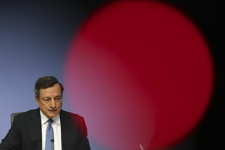 European Central Bank (ECB) President Mario Draghi addresses a news conference at the ECB headquarters in Frankfurt, Germany, October 20 , 2016.  REUTERS/Kai Pfaffenbach