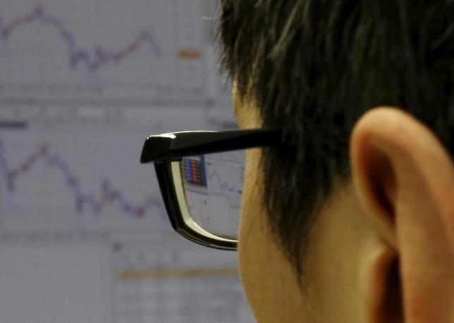 11月21日、今週の東京株式市場は堅調地合いが見込まれる。2月撮影(2016年 ロイター/Yuya Shino)