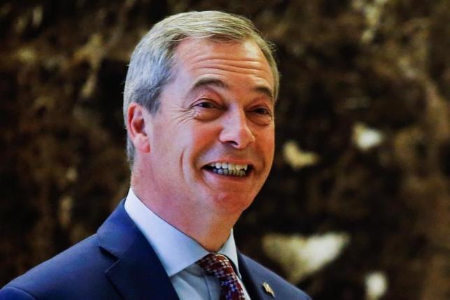 11月22日、ドナルド・トランプ米次期大統領はツイッターで、英国の欧州連合(EU)離脱キャンペーンの中心的存在だったナイジェル・ファラージ氏が駐米英国大使になることを多くの人が望んでいると述べ、同氏は素晴らしい大使になるとコメントした。写真はニューヨークで12日撮影(2016年 ロイター/Eduardo Munoz)