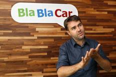 La empresa de servicios online para compartir coche BlaBlaCar dijo el martes que ha presentado una demanda contra España ante la Comisión Europea por una disputa para prestar sus servicios dentro de la Comunidad de Madrid. En la imagen, Frederic Mazzella, fundador y consejero delegado de BlaBlaCar, en la sede de la compañía en París, Francia, el 28 de septiembre de 2016. REUTERS/Philippe Wojazer