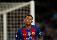 Football Soccer - Barcelona v Malaga - Spanish La Liga Santander - Camp Nou stadium, Barcelona, Spain - 19/11/16. Barcelona's Neymar reacts. REUTERS/Albert Gea