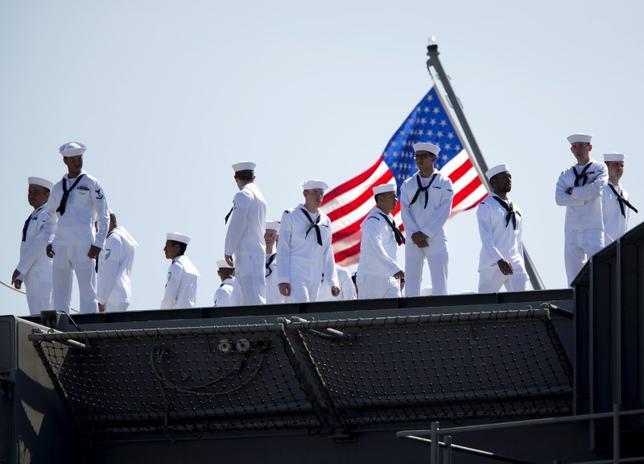 11月23日、米海軍は現役・退役を含む兵士ら13万4386人の重要情報がハッキングされたと明らかにした。写真は米カリフォルニア州で2015年8月撮影(2016年 ロイター/Mike Blake)