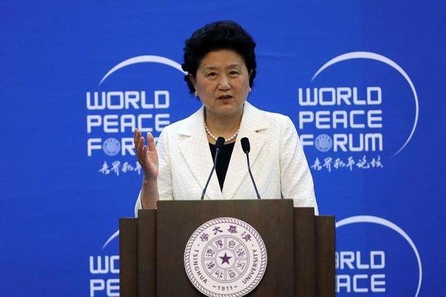 11月24日、中国の劉延東副首相(写真)は、ドイツ企業買収に向けた自国企業の動きについて、双方を利すると擁護する考えを示した。北京で7月撮影(2016年 ロイター/China Daily)