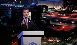 Los Angeles Mayor Eric Garcetti speaks at a business event at the Bing theatre in Los Angeles, California U.S., October 17, 2016.   REUTERS/Mario Anzuoni - RTX2P97B