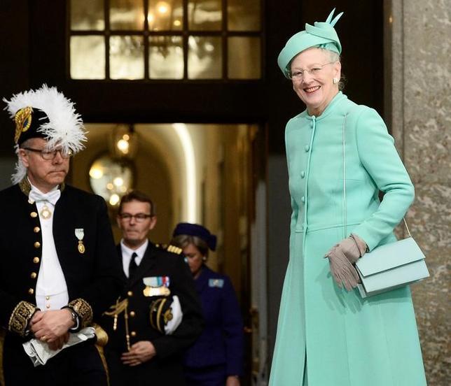 11月25日、デンマーク女王・マルグレーテ2世がセットや衣装のデザインを手がけたバレエ「くるみ割り人形」が、12月1日から上演される。スウェーデン国王の誕生会に出席した女王、ストックホルムで4月撮影、提供写真(2016年 ロイター/TT News Agency/Maja Suslin)