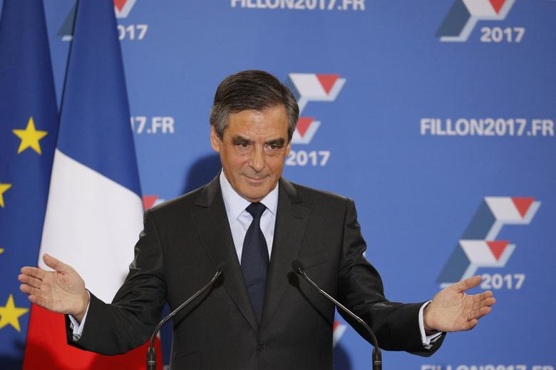 Francois Fillon, former French prime minister and member of Les Republicains political party, delivers his speech after partial results in the second round for the French center-right presidential primary election in Paris, France, November 27, 2016.     REUTERS/Philippe Wojazer