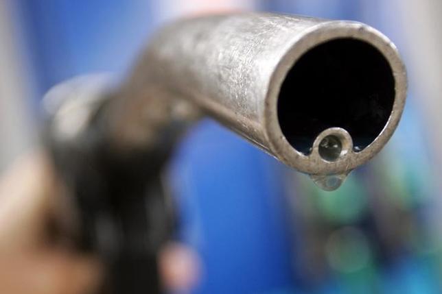 11月29日、ロシアのノバク・エネルギー相が、30日にウィーンで開かれる石油輸出国機構(OPEC)総会に出席しない意向を表明した。ロシア通信(RIA)が29日、同相の発言を伝えた。写真はロンドンで2006年4月撮影(2016年 ロイター/Luke MacGregor)