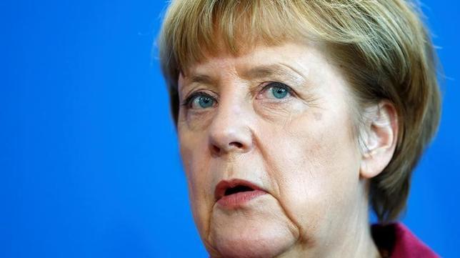 11月29日、G20議長国ドイツの道のりは険しい。写真はメルケル首相。ベルリンで同日撮影(2016年 ロイター/Hannibal Hanschke)