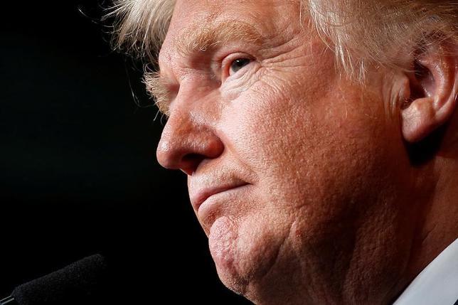 11月25日、選挙期間中には、対立を掻き立てるような乱暴な発言で聴衆を煽ってきたドナルド・トランプ氏(写真)だが、11月8日の大統領選に勝利して以来、その姿勢はいくぶん穏健なものに変わってきているようだ。写真は1日、ウィスコンシンの政治集会に参加するトランプ氏(2016年 ロイター/Carlo Allegri)