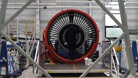 Los fabricantes de la zona euro disfrutaron de su mejor mes en noviembre desde el comienzo de 2014, mostró un sondeo el jueves, gracias a la debilidad de la moneda única y a una mayor demanda.  En la imagen, motores Rolls Royce Trent XWB diseñados para los aviones Airbus A350 el 30 de noviembre de 2016 en Derby.  REUTERS/Paul Ellis/Pool