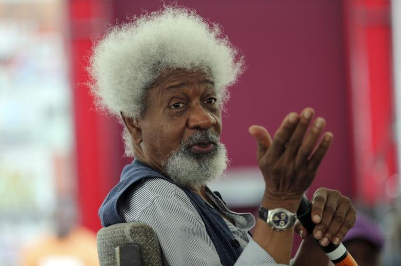 Nobel laureate Wole Soyinka speaks to pupils during a mentoring session at the Lagos Book and Art Festival November 15, 2014. REUTERS/Akintunde Akinleye
