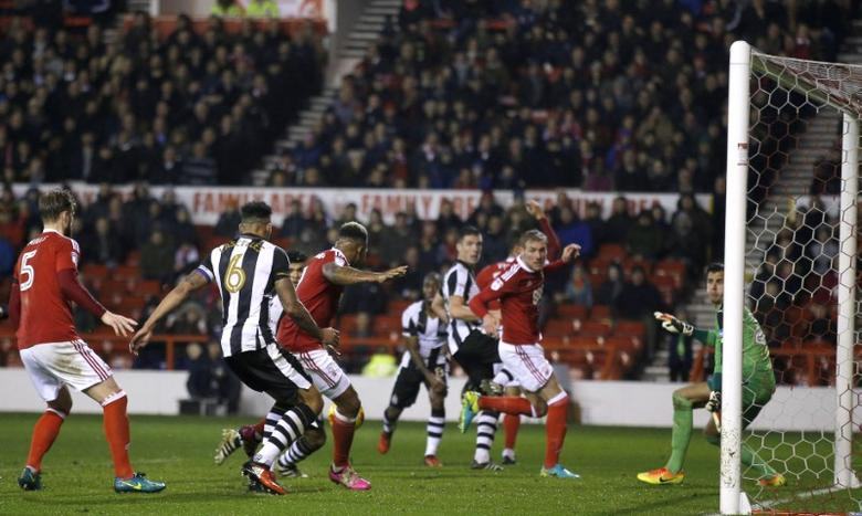 Britain Football Soccer - Nottingham Forest v Newcastle United - Sky Bet Championship - The City Ground - 2/12/16 Newcastle's Jamaal Lascelles scores an own goal for Nottingham Forest's second goal Mandatory Credit: Action Images / Andrew Couldridge Livepic