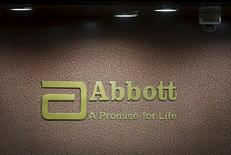 """Le groupe pharmaceutique américain Abbott Laboratories a annoncé mercredi renoncer à l'acquisition de son compatriote Alere, citant une """"perte substantielle"""" de la valeur de sa cible. /Photo d'archives/REUTERS/Shailesh Andrade"""