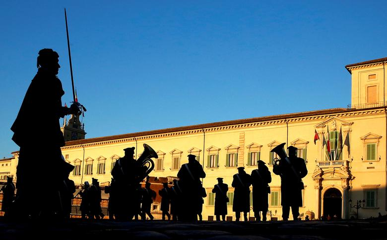 The Italian Carabinieri band performs before President Sergio Mattarella starts consultations at the Quirinale Palace in Rome, Italy, December 8, 2016.   REUTERS/Alessandro Bianchi/File Photo