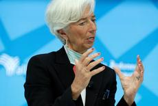 International Monetary Fund (IMF) Managing Director Christine Lagarde speaks at the One-to-One event featuring Michael Lewis during the last day of the IMF/World Bank annual meetings in Washington, U.S., October 9, 2016. REUTERS/Yuri Gripas