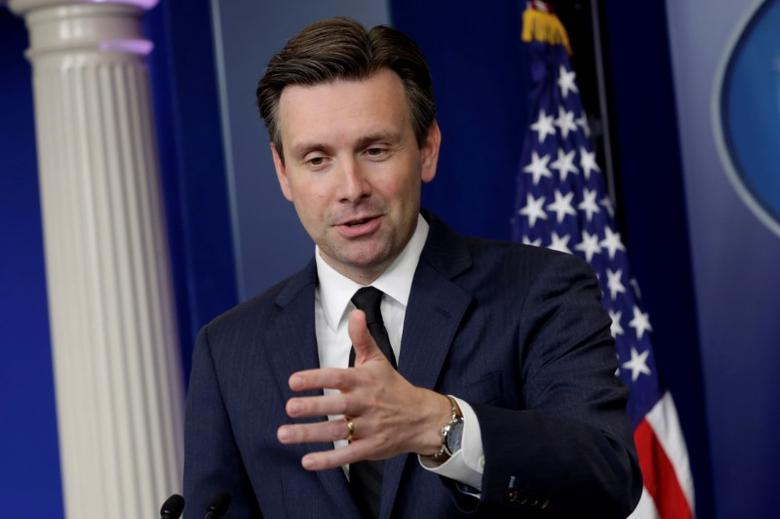 White House Press Secretary Josh Earnest speaks during a daily press briefing at the White House in Washington, U.S. November 22, 2016. REUTERS/Yuri Gripas
