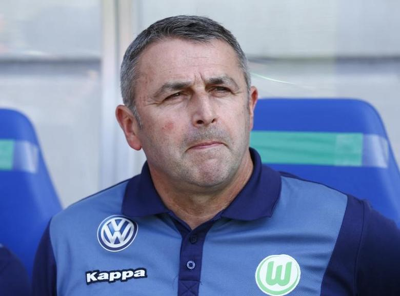 VFL Wolfsburg's manager Klaus Allofs is pictured in Stuttgart, Germany, August 8, 2015. REUTERS/Ralph Orlowski