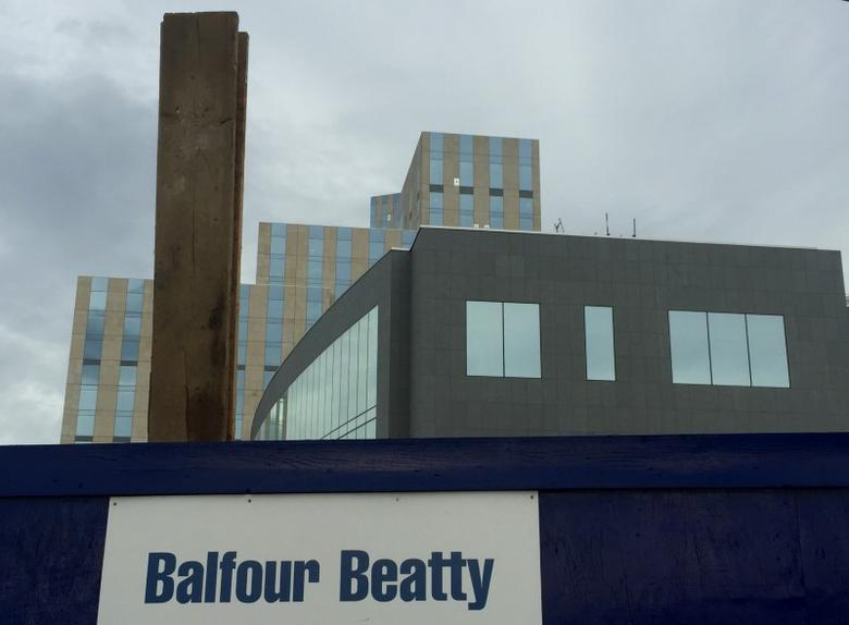 A sign of  Balfour Beatty is seen at a construction site in London, Britain October 30, 2015.    REUTERS/Reinhard Krause/Files