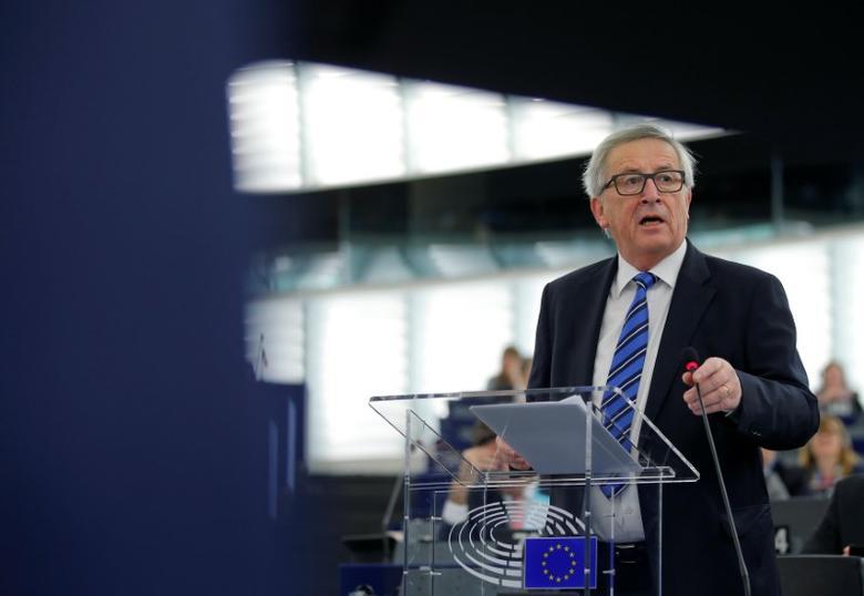 European Commission President Jean-Claude Juncker addresses the European Parliament in Strasbourg, France, December 14, 2016.   REUTERS/Vincent Kessler