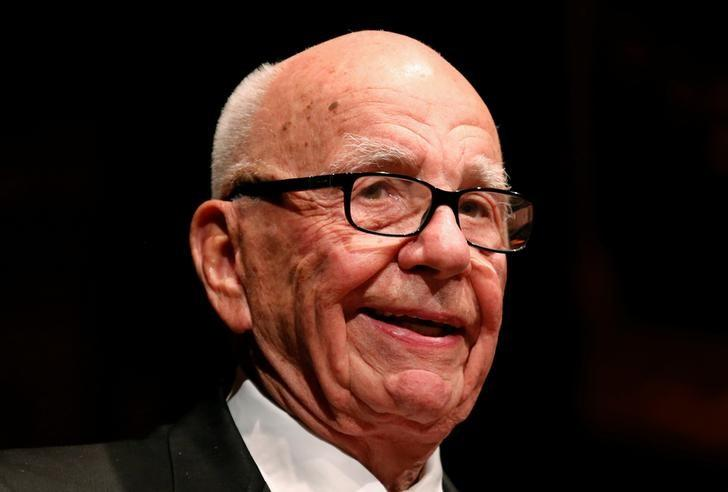 Rupert Murdoch, News Corp. and 21st Century Fox CEO, speaks during the annual Lowy Lecture at the Sydney Town Hall October 31, 2013.   REUTERS/David Gray/Files